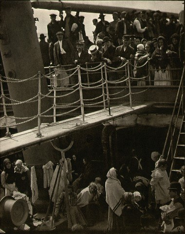 famous photographer Alfred Stieglitz photograph steerage