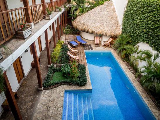 Hotel con corazon pool