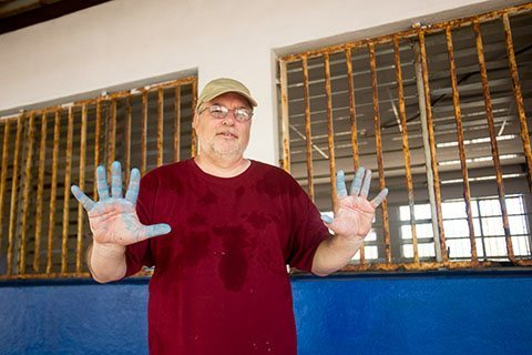 painting a school in jiquilillo