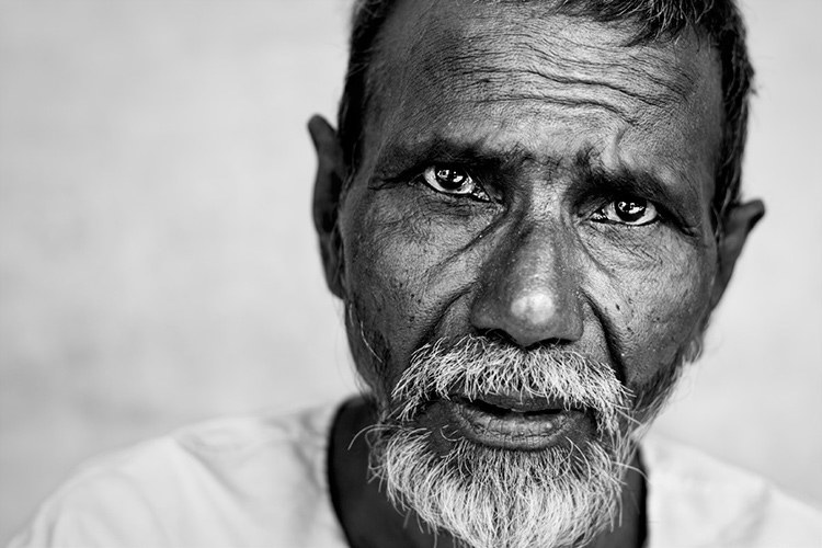 24 Powerful Black and White Portraits That Speak to Your Soul