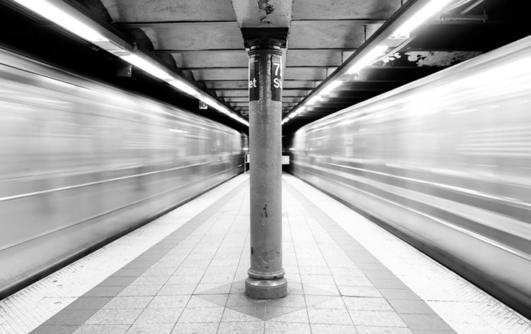 2-subways_in_motion_new_york