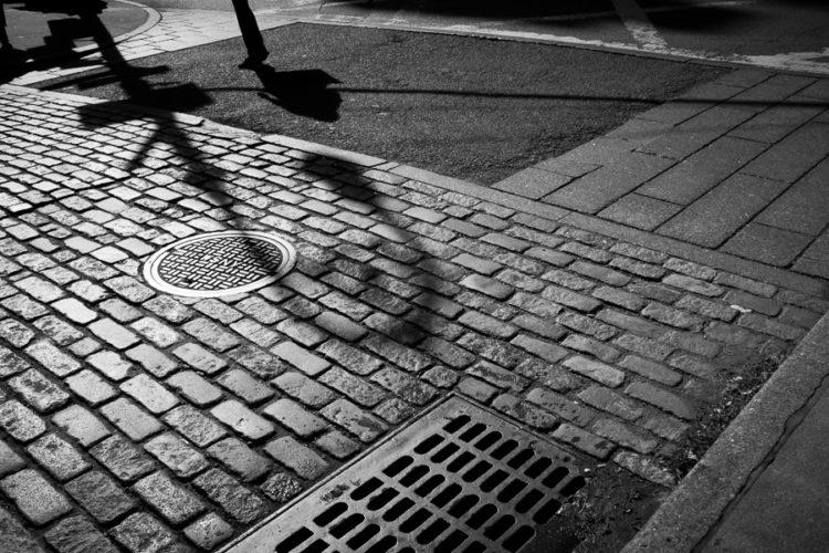 20-cobblestone-street-scene
