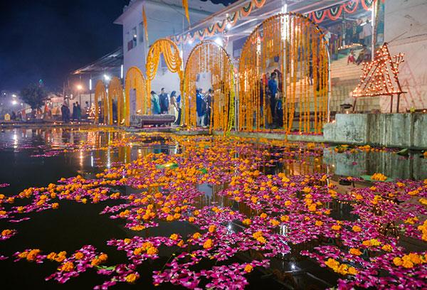 Hindu celebrations around Pushkar Lake during the Pushkar Camel Fair