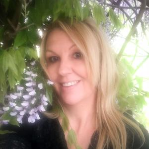 linda pasfield profile photo