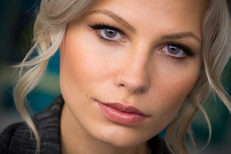 10 Camera Settings and Equipment Tips for Portrait Photography
