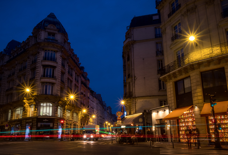 Same Paris street scene above but compared to Luminar