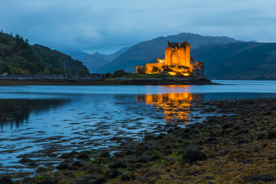 the stunning beauty of Eilean Donan castle at night