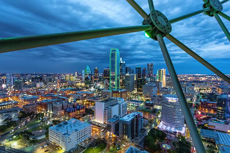 Dallas, Texas. Shutter Speed: 1/8 seconds; Aperture: f/8; ISO 3200.