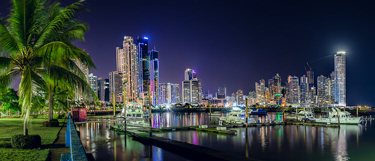 Panama City, Panama with night photography settings of shutter speed 2.5 seconds, Aperture f/8 and ISO 400