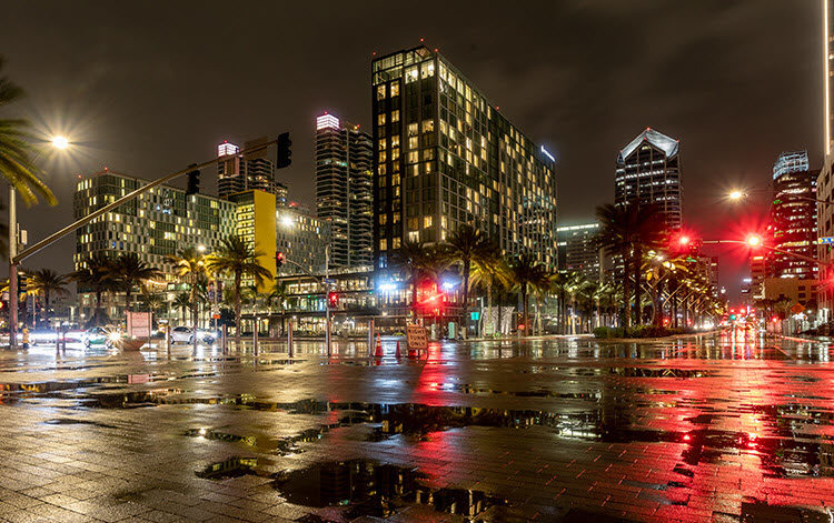a photo of San Diego, California with night photography settings of Shutter Speed: 8 seconds; Aperture: f/11; ISO 400