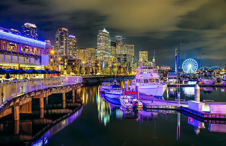 The Seattle harbor at night with exposure settings Shutter Speed: 2.5 seconds; Aperture: f/8; ISO 200.