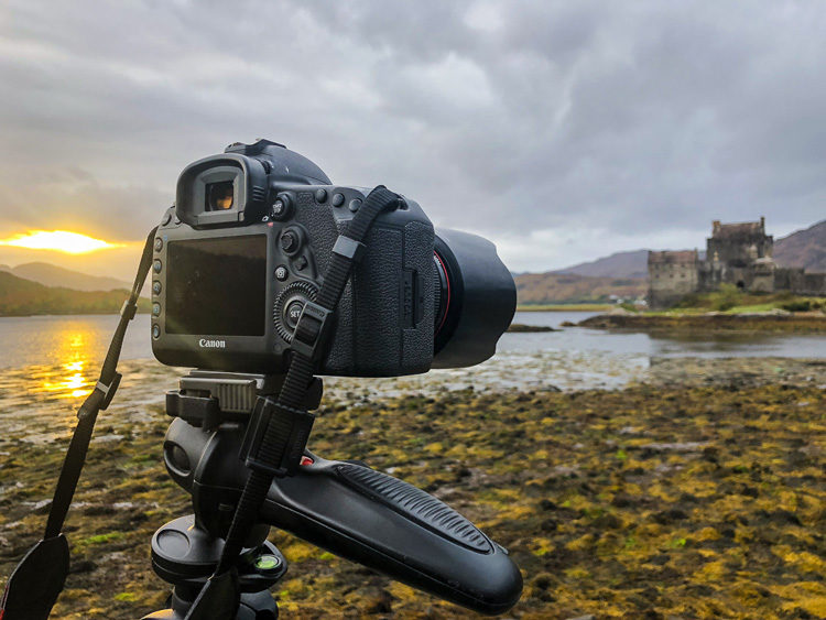 camera on a tripod landscape photography checklist