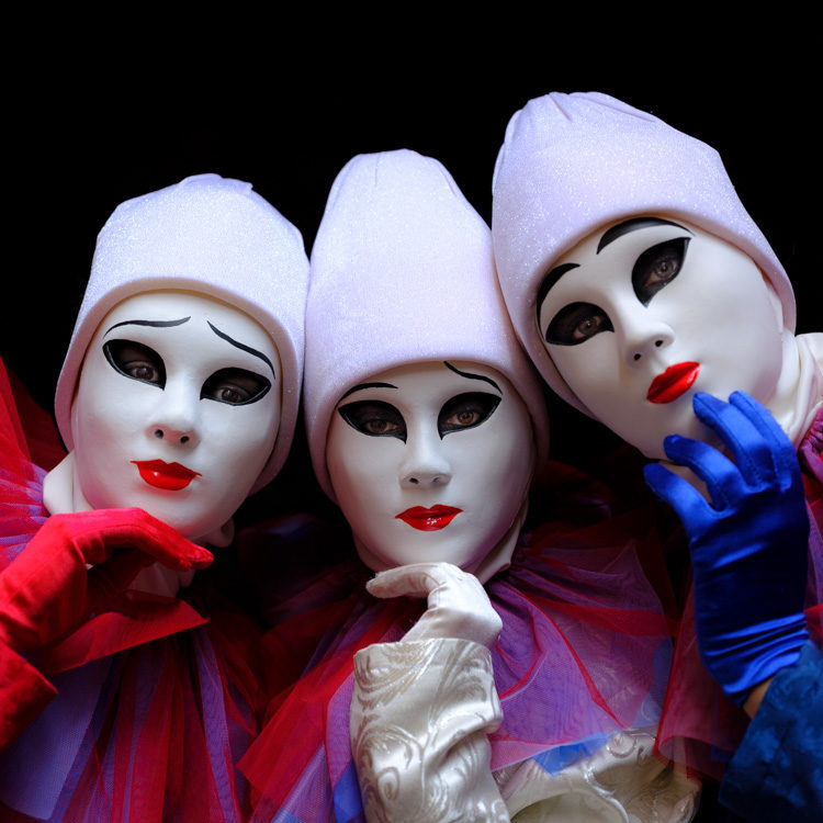 Fujifilm GFX 50S - masked characters in white red and blue Venice Italy
