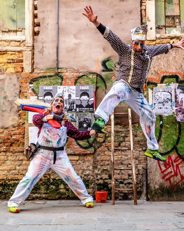 Fujifilm GFX 50S photo of funny couple acting Venice Italy