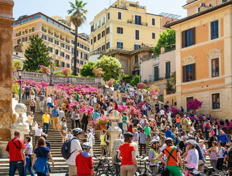 Many tourists on the Spanish Steps in Rome
