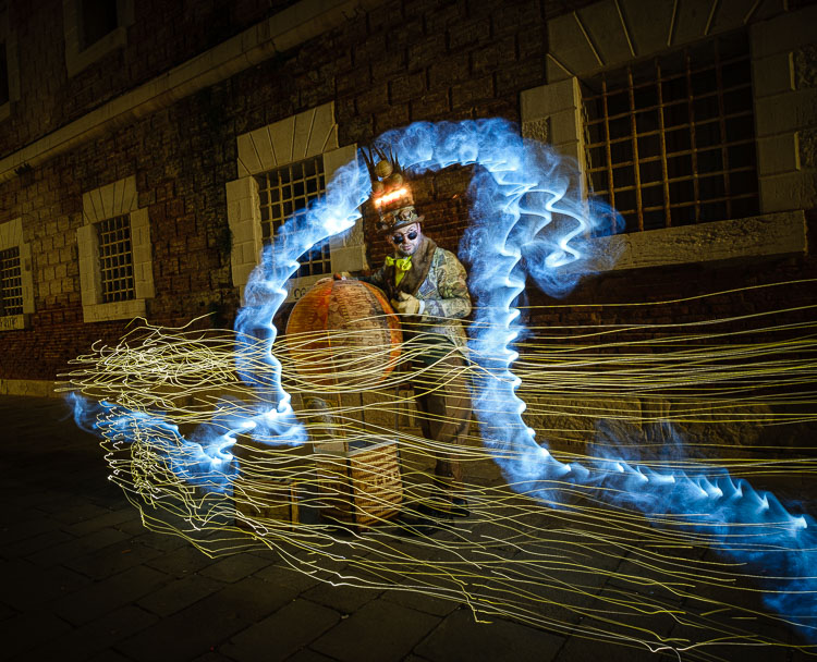 second attempt for a different effect with light painting